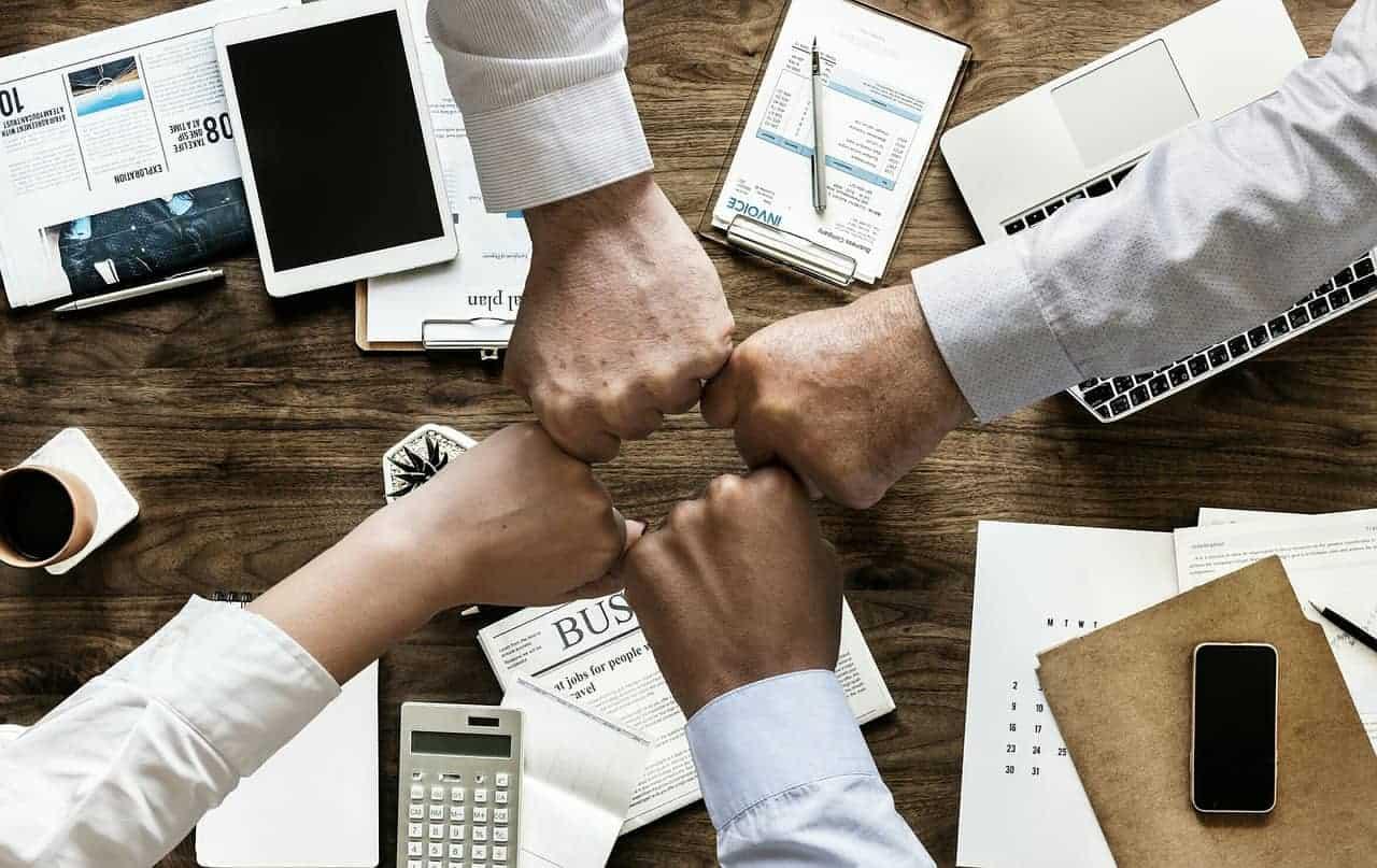 Holokratie: Wie Unternehmen ohne Hierarchie auskommen