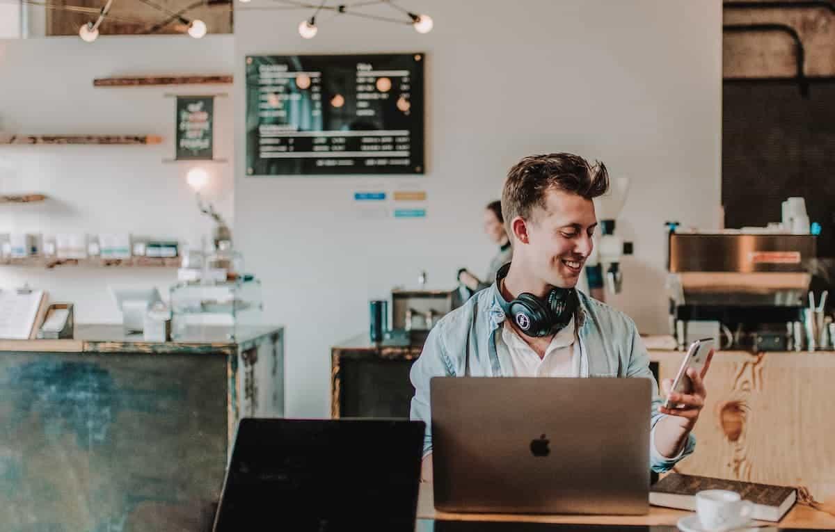Der große Vergleich: Coworking, eigenes Büro oder Shared Office?