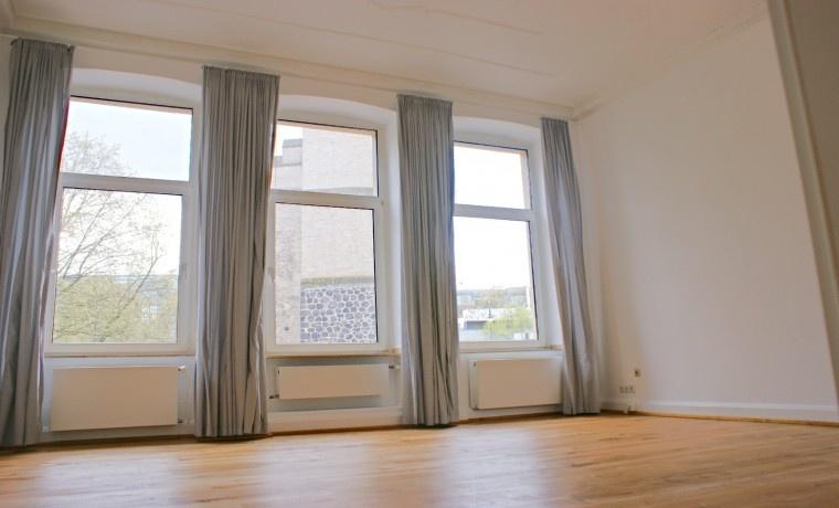 sch nes kleines altbau b ro direkt am rudolfplatz in k ln zu mieten. Black Bedroom Furniture Sets. Home Design Ideas