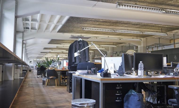 freie arbeitspl tze in loft b ro in stuttgart ost zu mieten. Black Bedroom Furniture Sets. Home Design Ideas