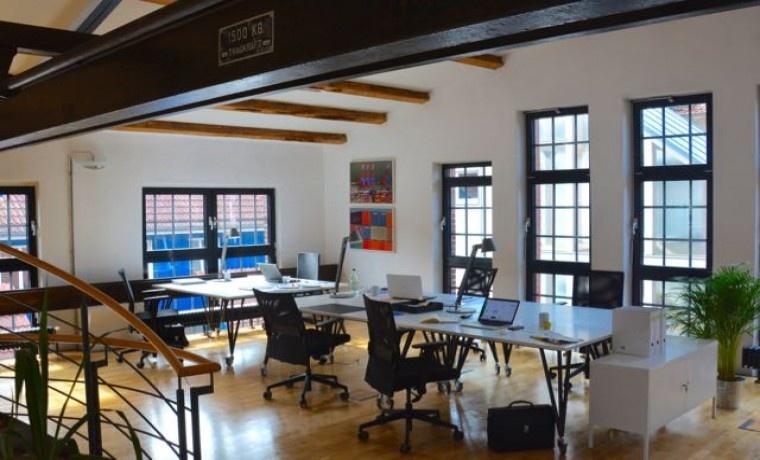 freie arbeitspl tze in coworking space in eimsb ttel. Black Bedroom Furniture Sets. Home Design Ideas