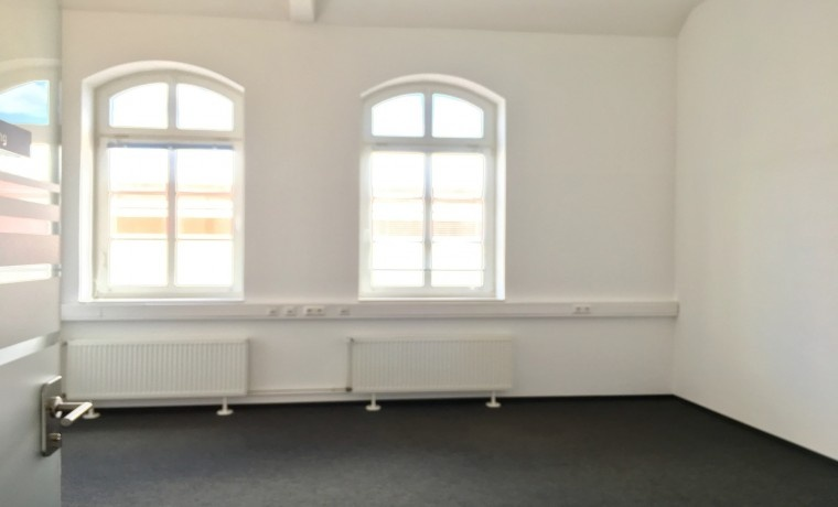 b roraum in kreativer atmosph re in top lage in friedrichshain mieten. Black Bedroom Furniture Sets. Home Design Ideas